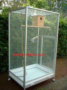 клетка для крупного попугая